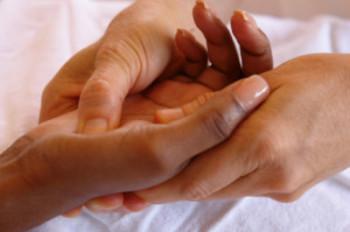 Tíz tipp, hogy elkerüljük a sarokfájdalmat járás közben